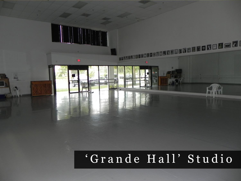 grande-hall-studio-bbt.png