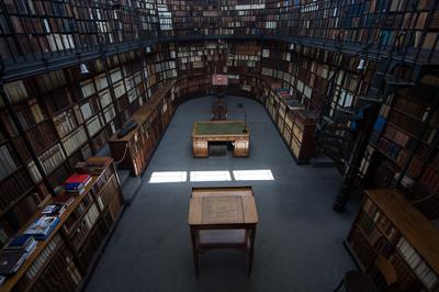 private-library-of-cardinal-newman-birmingham-oratory_48144244911_o-2.jpg