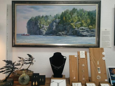 Cedar Lake Shop - Cambridge, OntarioCedar Lake has curated a selection of some of the most finely crafted, most compelling and often whimsical works by Canadian artists and artisans, and prints and products of the work of Tom Thomson and the Group of Seven.https://cedarlake.ca