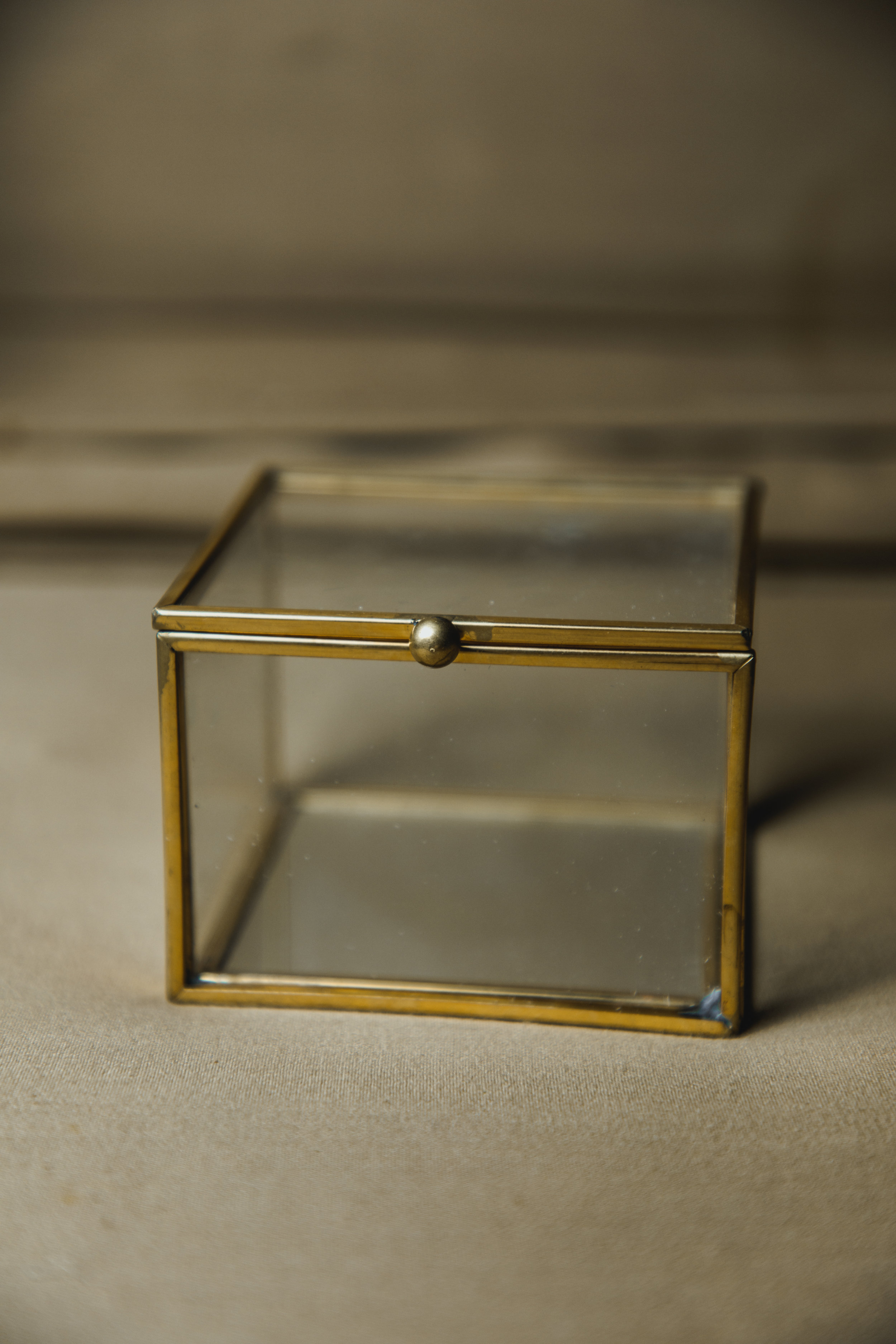 $10 | Gold + Glass Mirrored Bottom Square Box
