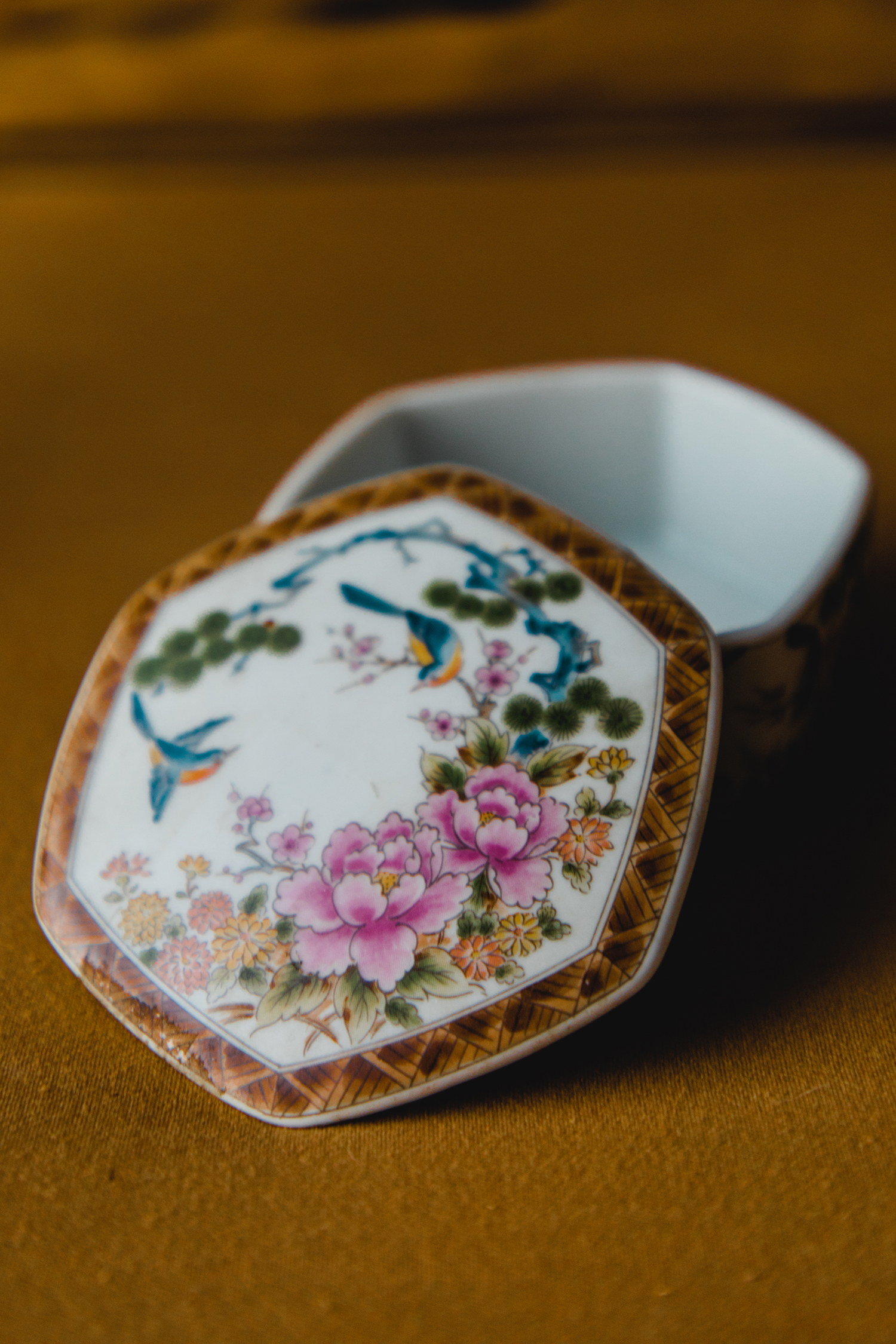 $10 | Vintage Ring Dish with Lid