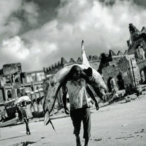 Eine bessere Welt – unbedingt!   Mogadischu, Somalia, 2012 © Jan Grarup⠀⠀  Stresemannstr. 28  10963 Berlin