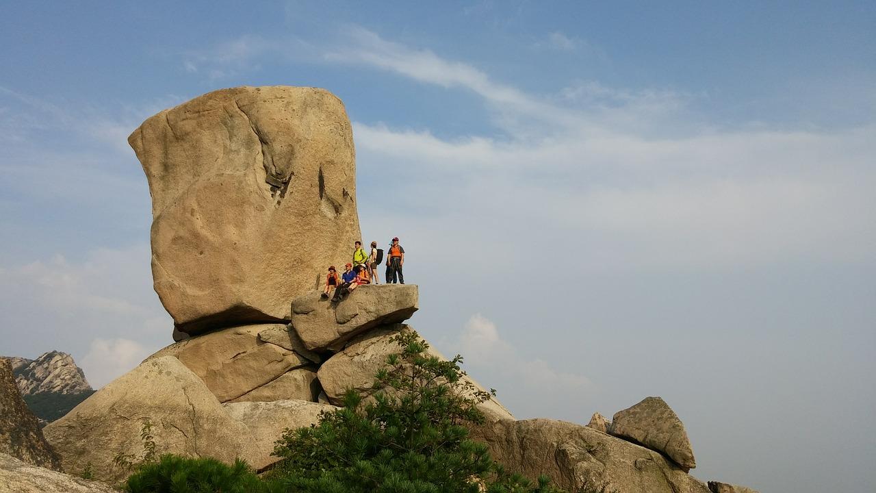 bukhansan-mountain-427761_1280.jpg