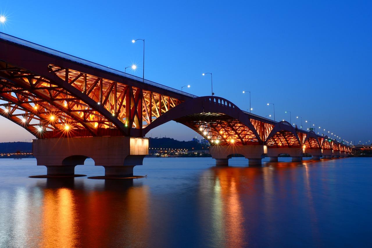bridge-2805539_1280.jpg