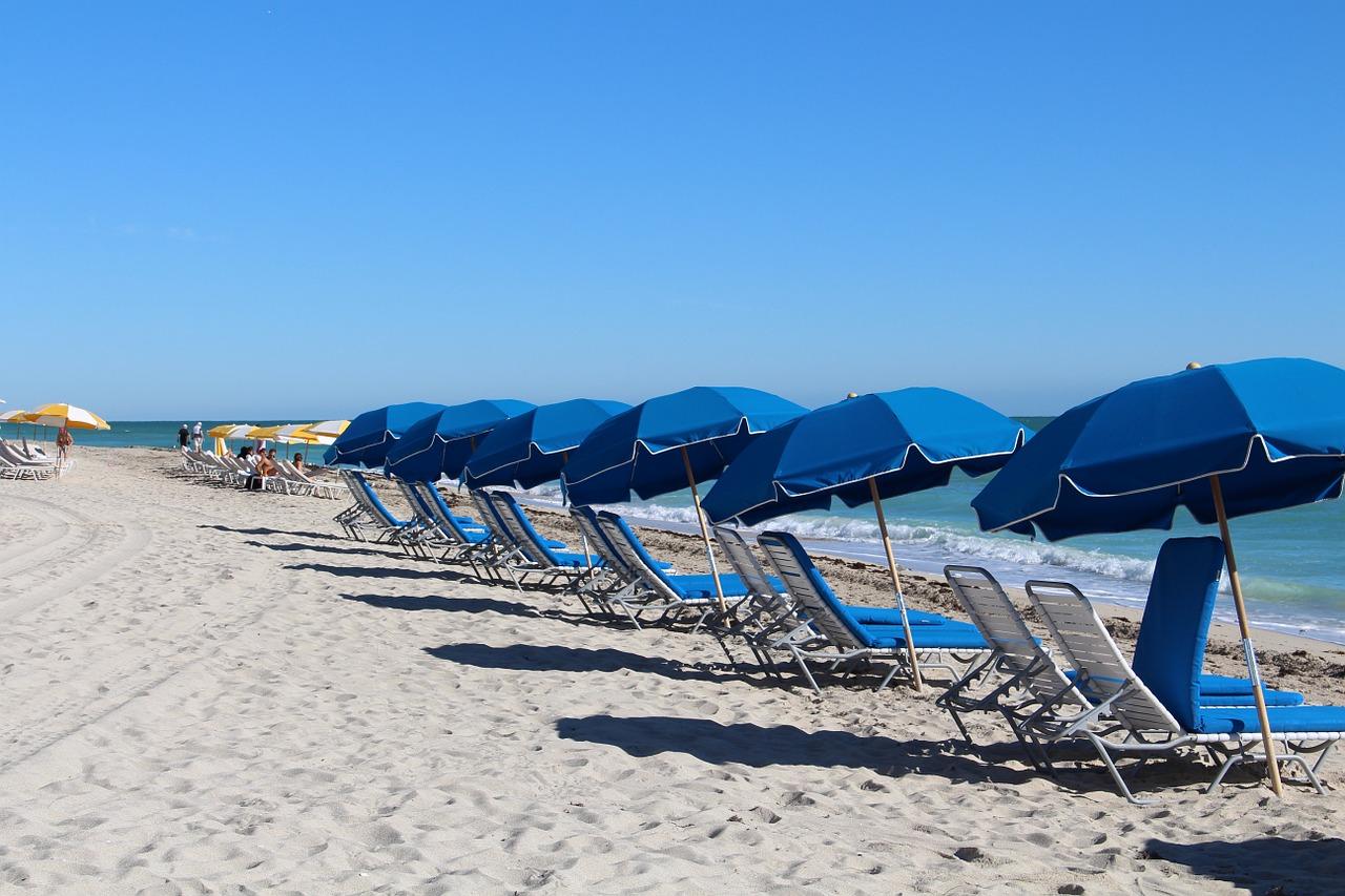 beach-588001_1280.jpg
