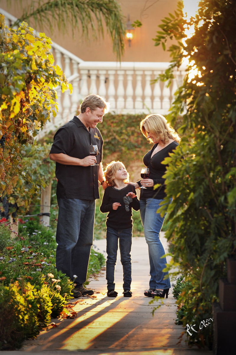 RK Green Studios Family Portrait Wilson Creek Winery Temecula.jpg