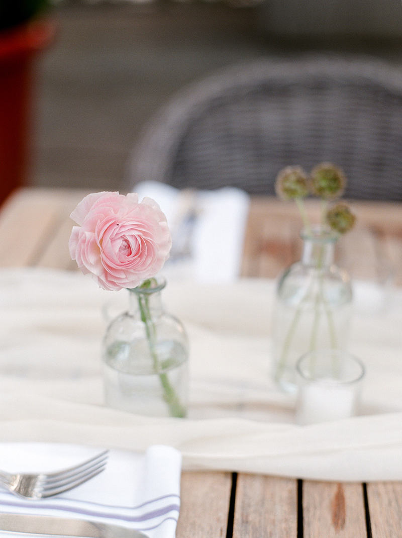 4-portrait-double-lanson-b-jones-floral-and-events-houston-texas-florist-bud-vases-fall-wedding.jpg