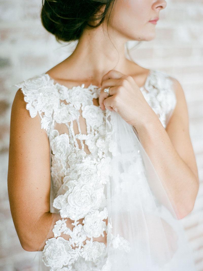 6-portrait-double-lanson-b-jones-floral-and-events-houston-wedding-florist-bride-lace-gown.jpg