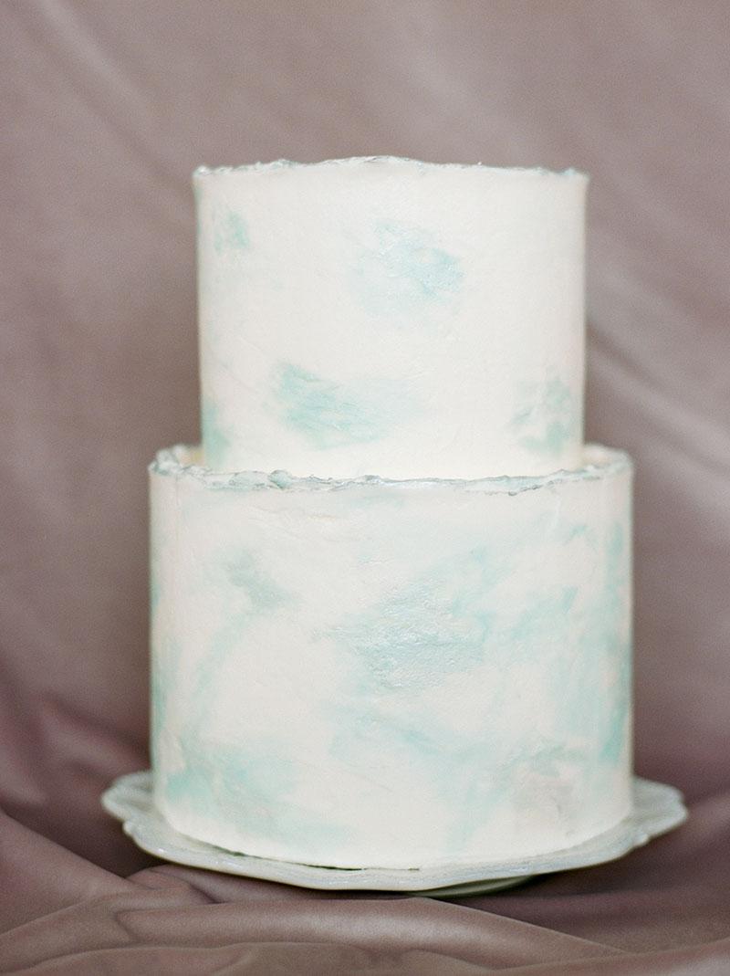 11-portrait-double-lanson-b-jones-floral-and-events-houston-florist-blush-blue-wedding.jpg