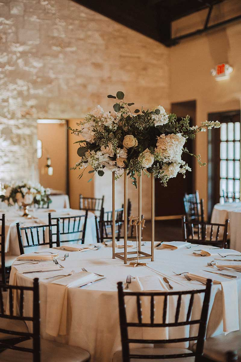 04-double-portrait-lanson-b-jones-and-co-floral-and-events-houston-texas-wedding-florist-white-green-gold-wedding.jpg