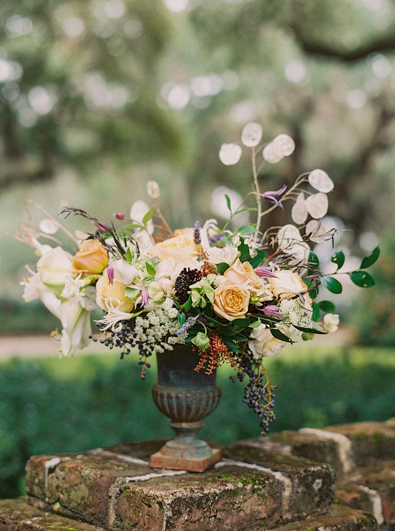 4-portrait-double-pair-lanson-b-jones-floral-and-events-houston-florist-urn-centerpiece-garden-roses-berries-.jpg