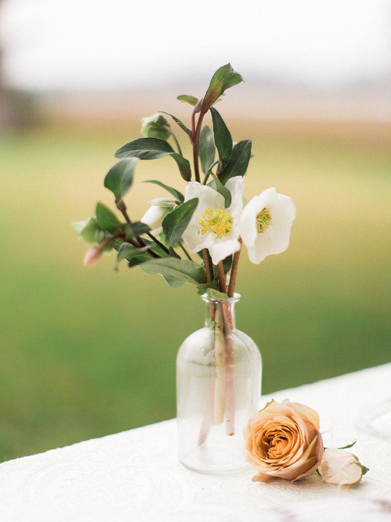 8-portrait-double-pair-lanson-b-jones-floral-and-events-houston-wedding-florist-hellebore-centerpiece.jpg