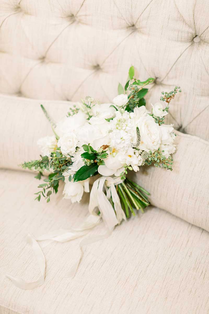 05-portrait-double-lanson-b-jones-and-co-floral-and-events-white-and-green-wedding-spring-bouquet.jpg