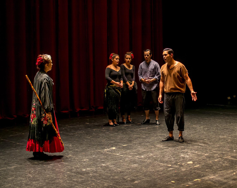 TSMDT 17 - Raoul&Maestra w_ dancers.jpg