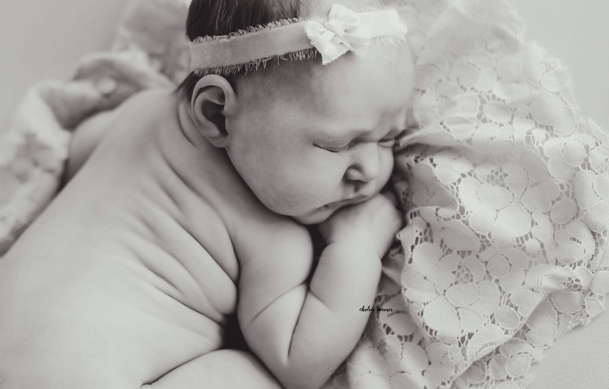newborn photographer detroit mi