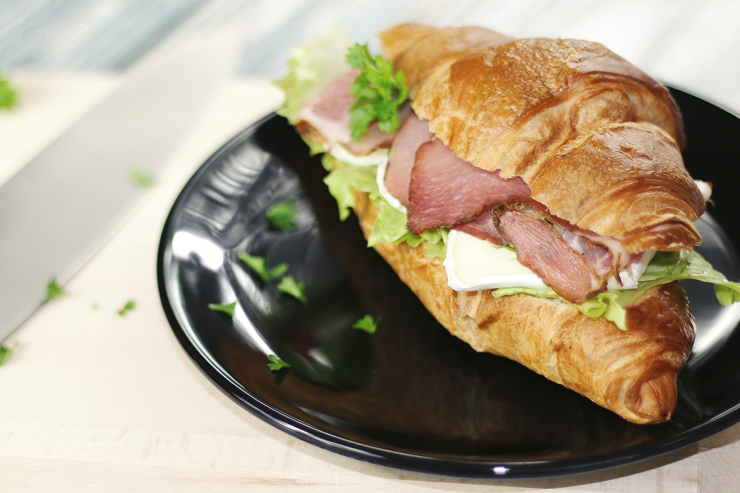 bakery-croissant-delicious-7390.jpg