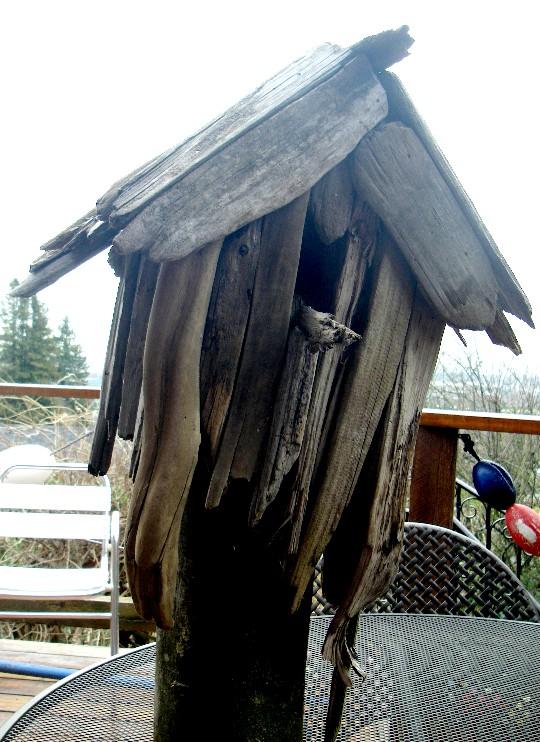 driftwood_birdhouse.jpg