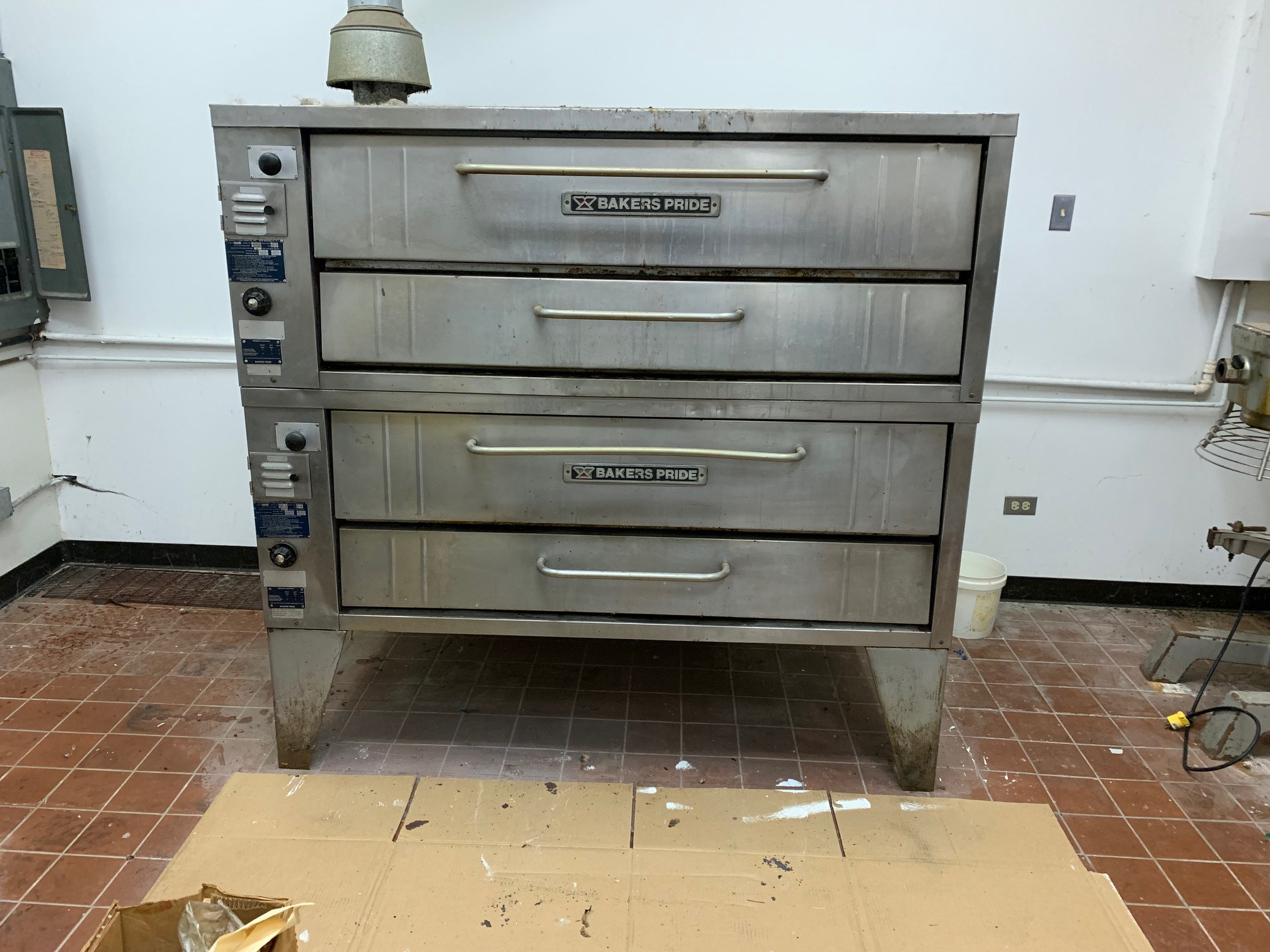 """Bakers Pride 66"""" Double Stack Pizza Oven"""