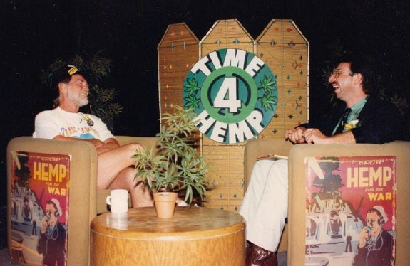 Willie Nelson and Casper Leitch share a laugh on Time 4 Hemp.