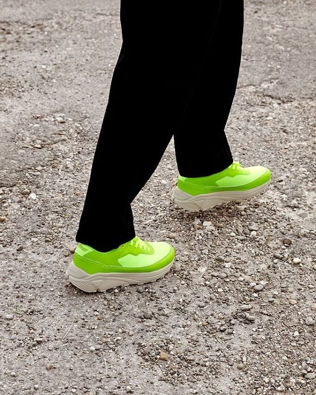 The HTS74 WALK-LITE RGS in neon yellow - The Walk-Lite collection has been a registered trade mark of Hi-tec since The early 90's.