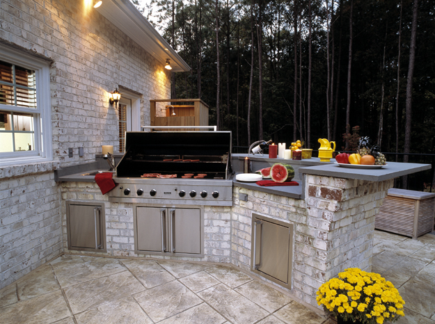 OUTDOORKITCHEN1.jpg