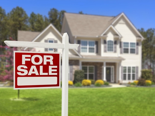 House-for-sale-sign_142208.jpg