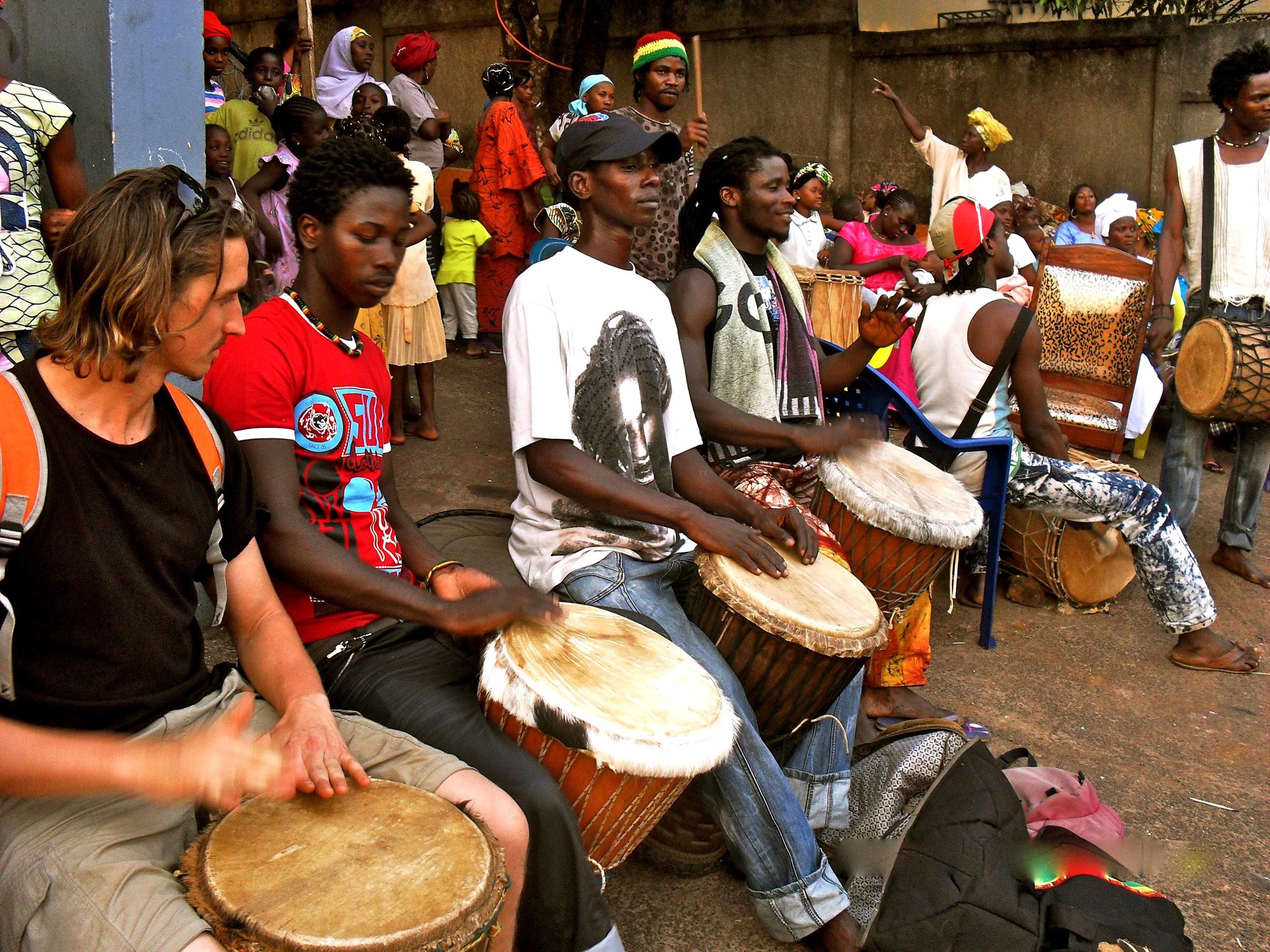 Tour drumming dundunbah.jpg