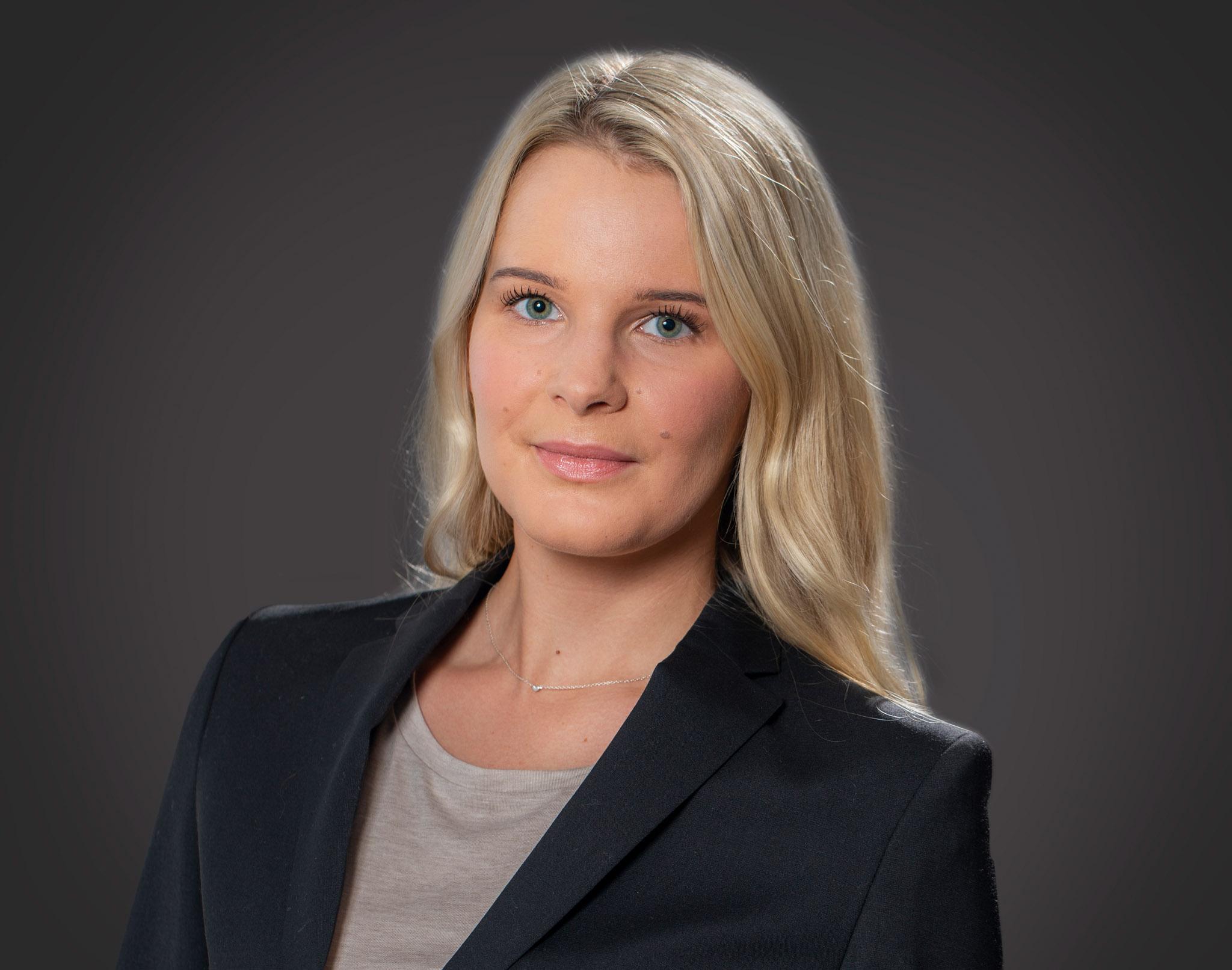 Josefin Lindén Lindström  Business Controller