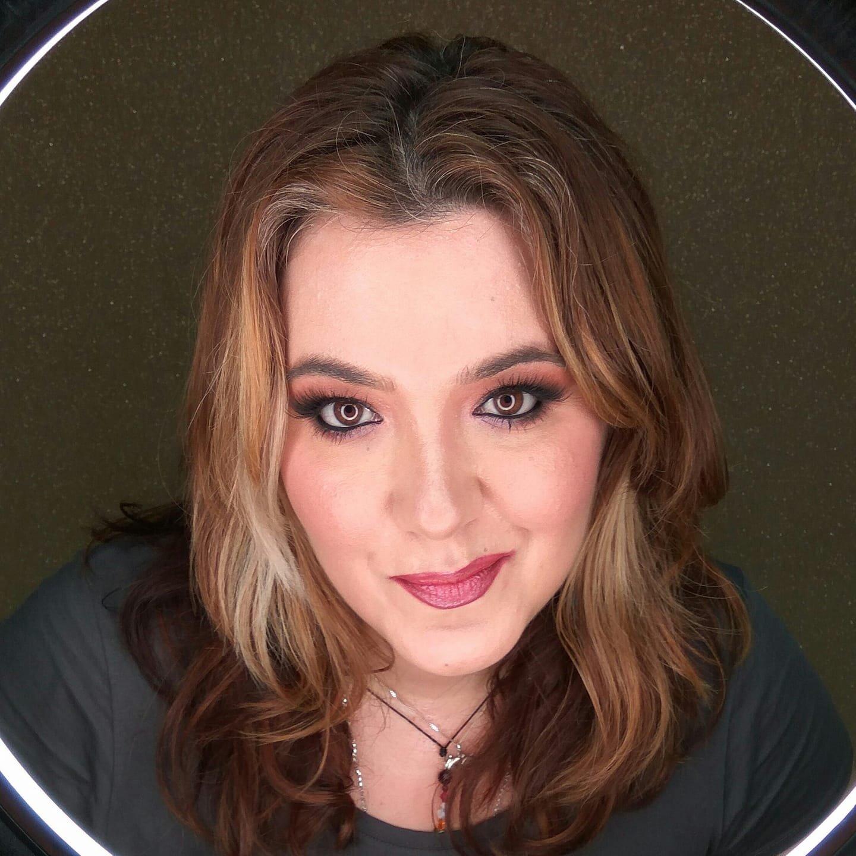 Ana M. Marin - Public Speaking, Trainer, Flipchart Design