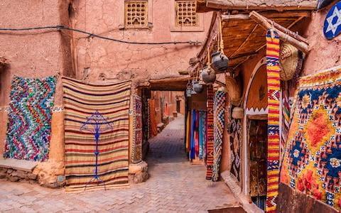 carpets-medina-marrakech-guide.jpg