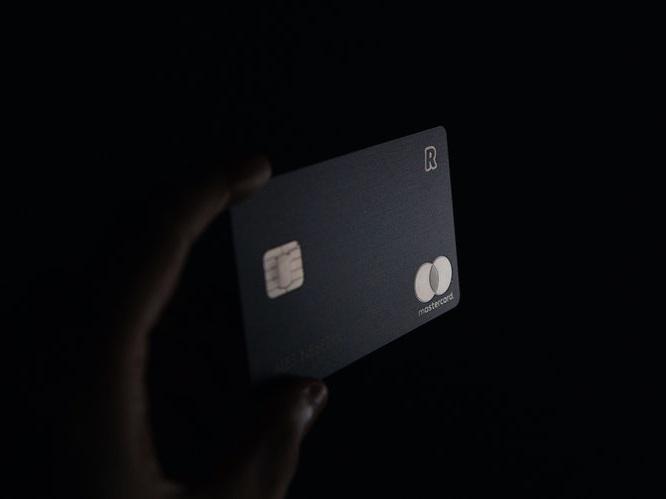 black-credit-card.jpg
