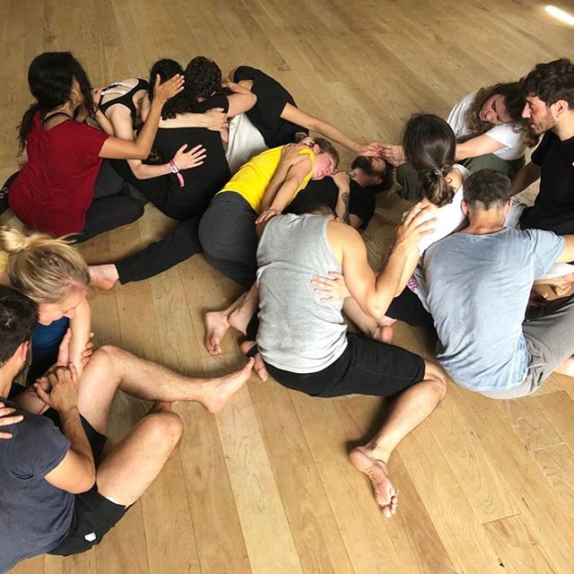 Connecting is everything we are striving for..... Another day about to begin at the first ever Gecko Returners Residency. Previous participants in our intensives have returned for two weeks to dig even deeper in the studio with Amit.  #residency #intensive #love #emotion #connection #physicaltheatre #dance #workshop #drama #cpd #gecko #education #practice #ensemble