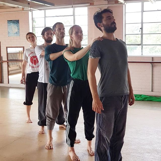 We're on our penultimate day of the Gecko Returners Residency, and our participants are devising their pieces in three groups, with guidance from Amit.... all creating movement pieces that stem from migration stories. it's all coming together!! 🙌🏼 #residency #intensive #love #emotion #connection #physicaltheatre #dance #workshop #drama #cpd #gecko #education #practice #ensemble