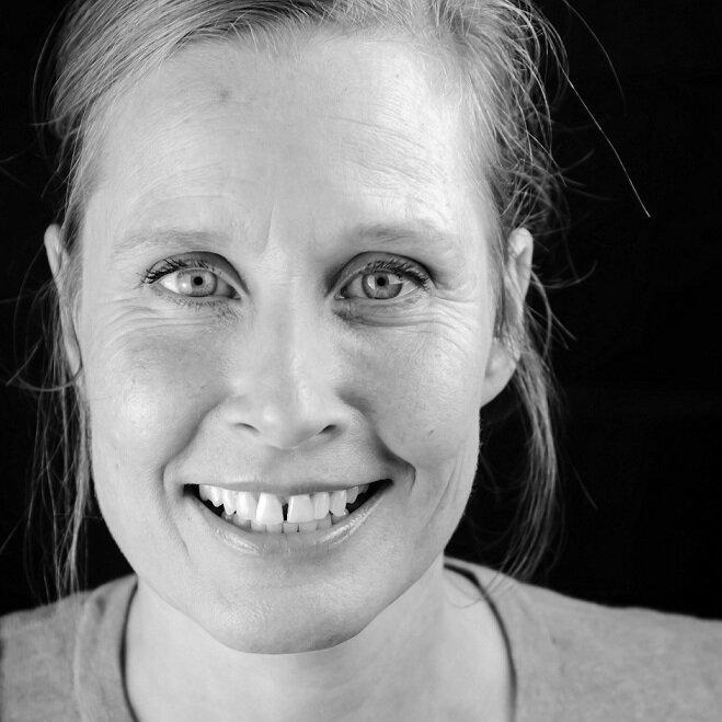 ASSOCIATE DIRECTOR Helen Baggett
