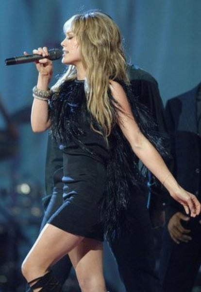 American Music Awards - Hillary Duff