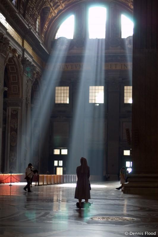 beams_of_light_in_st_peters_7107.jpg