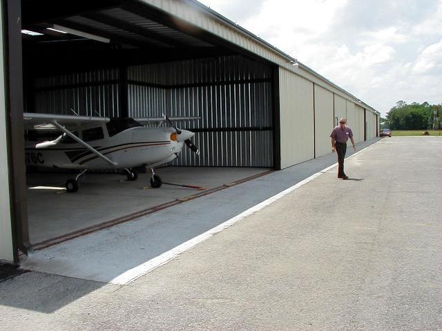 Hangars (6).jpeg