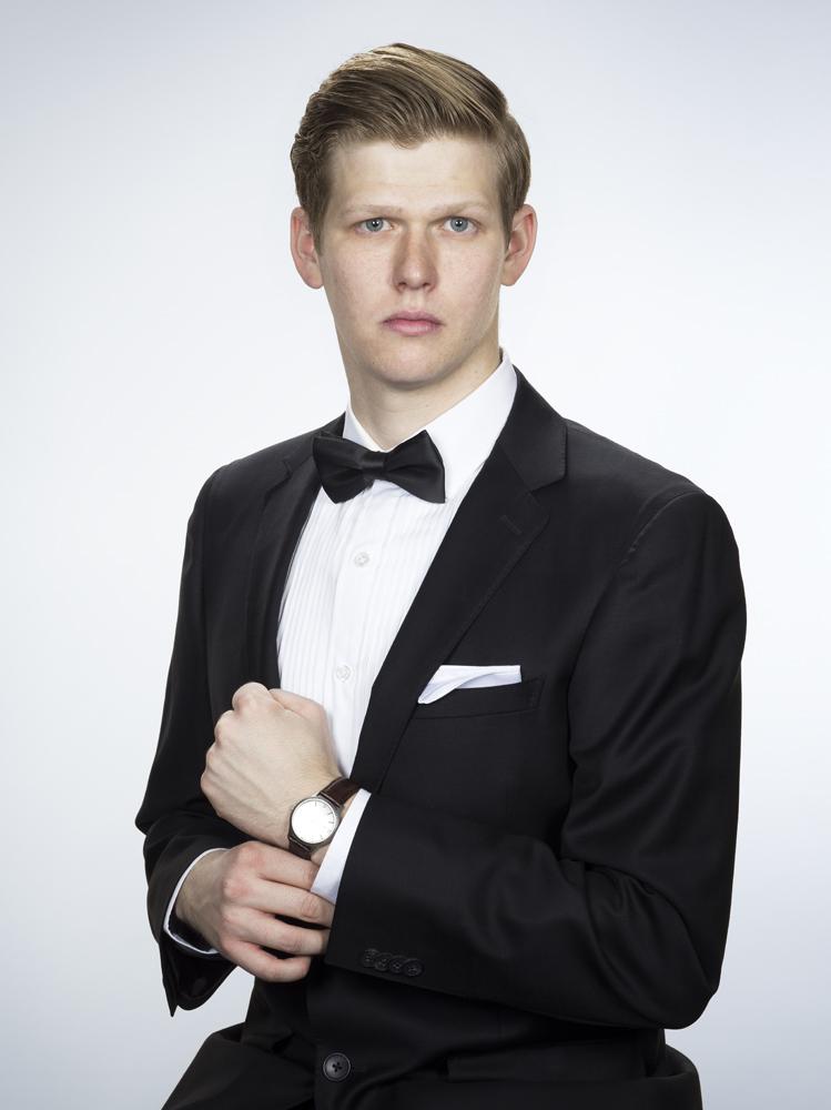 10_Self Portrait as man in a suit.jpg