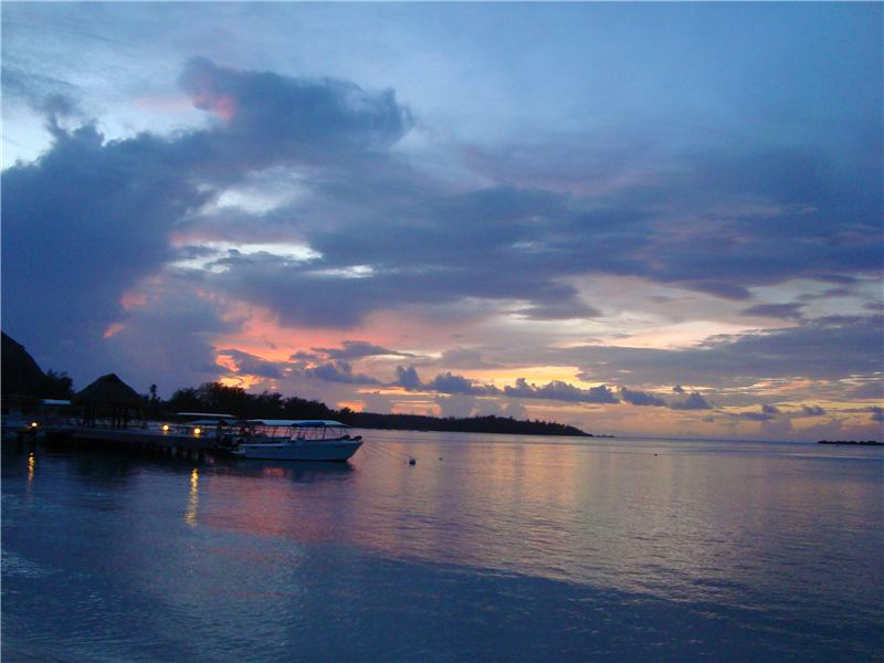 Tahiti Sunset.jpg