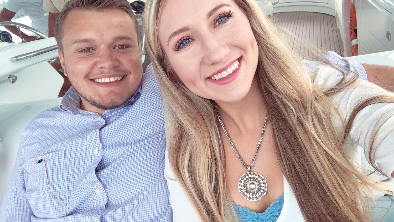 McKenzie & Hunter - the cutest honeymooning lovebirds!