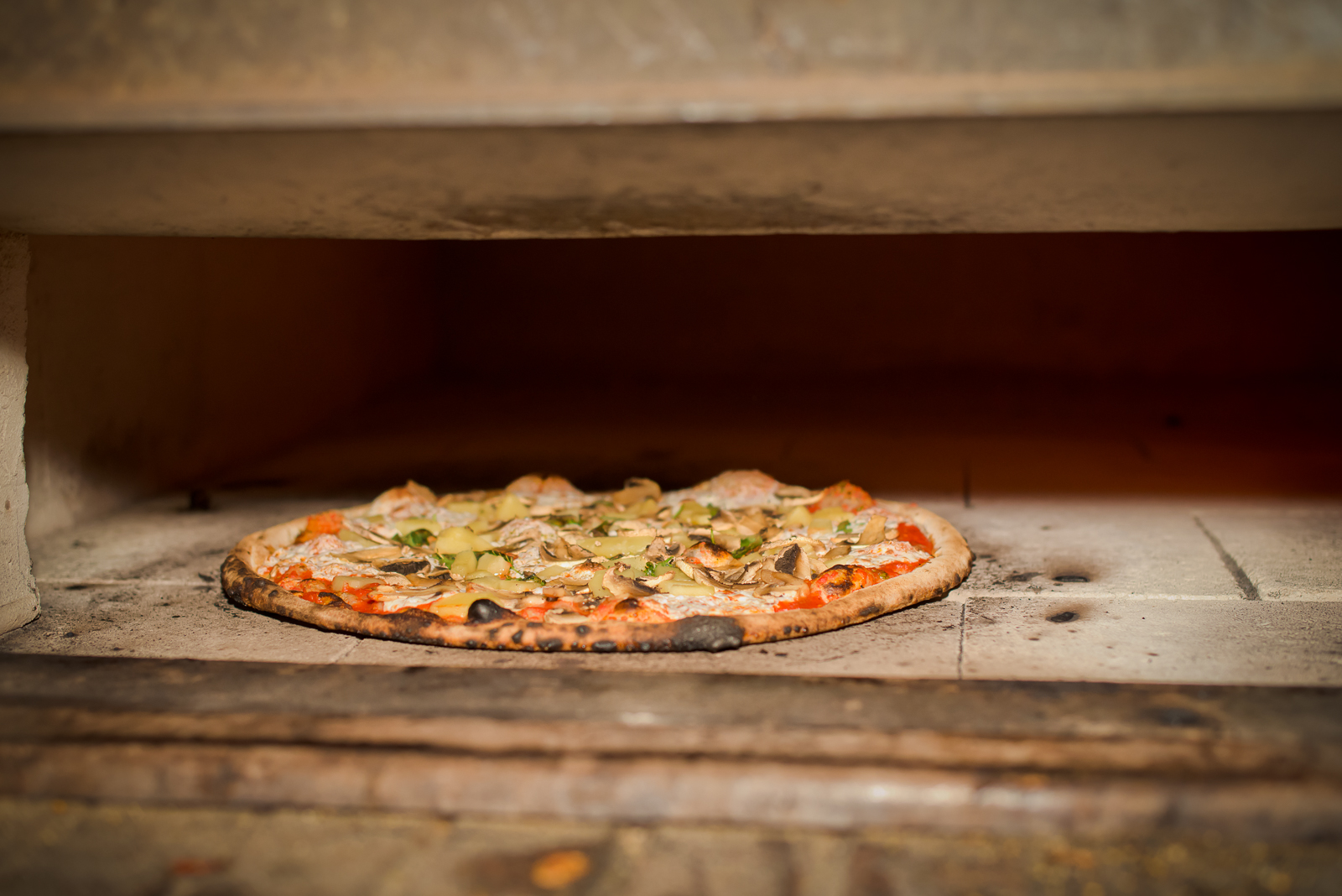 sacs-place-coal-oven-pizza-italian-restaurant-astoria-queens-cooking.jpg