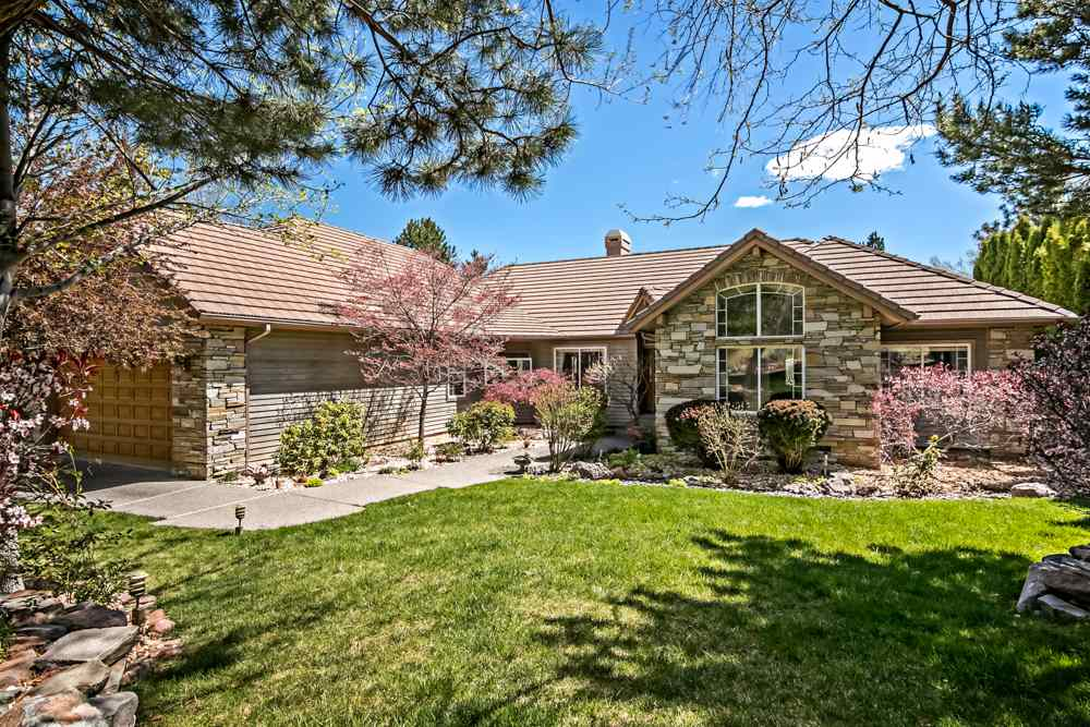 2440 Catamaran Drive, Reno, NV  5 Bed | 4 Bath | 2,623 sqft | $1,100,000 775.722.4446 | Cydne Sapperstein
