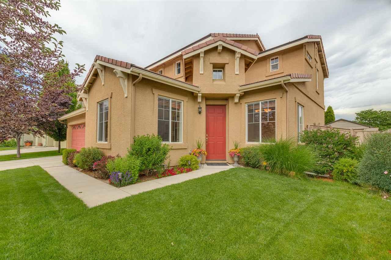 10739 Grayslake Drive, Reno, NV   3 Bed | 3 Bath | 1,821 sqft | $417,000 775.722.0796 | Karina Johnson