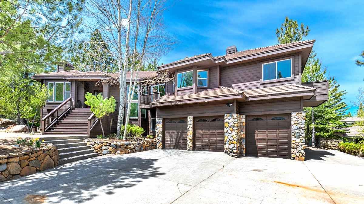 450 Blue Spruce Road, Reno, NV  4 Bed | 3.5 Bath | 3,429 sqft | $1,100,000 443.742.5572 | Antonio Pimentel