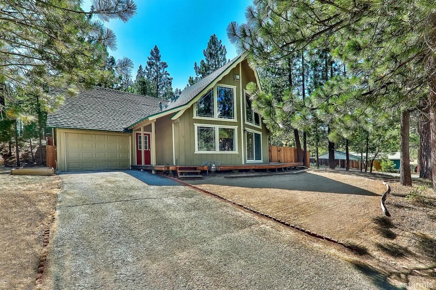 1456 Matheson Drive, South Lake Tahoe, CA  3 Bed | 2 Bath | 1,451 sqft | $399,000 Leann Dupre | 530.307.3490