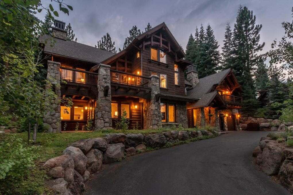 2208 Silver Fox Court, Truckee, CA  5 Bed | 4.5 Bath | 4,299 sqft | $3,149,000 Tilly Mezger | 530.545.0587