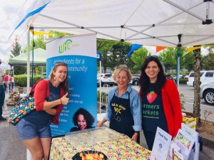 2018 OFMA Board President, Kaely Summers, visits the Oregon City Farmers Market for Farmers Market Week.