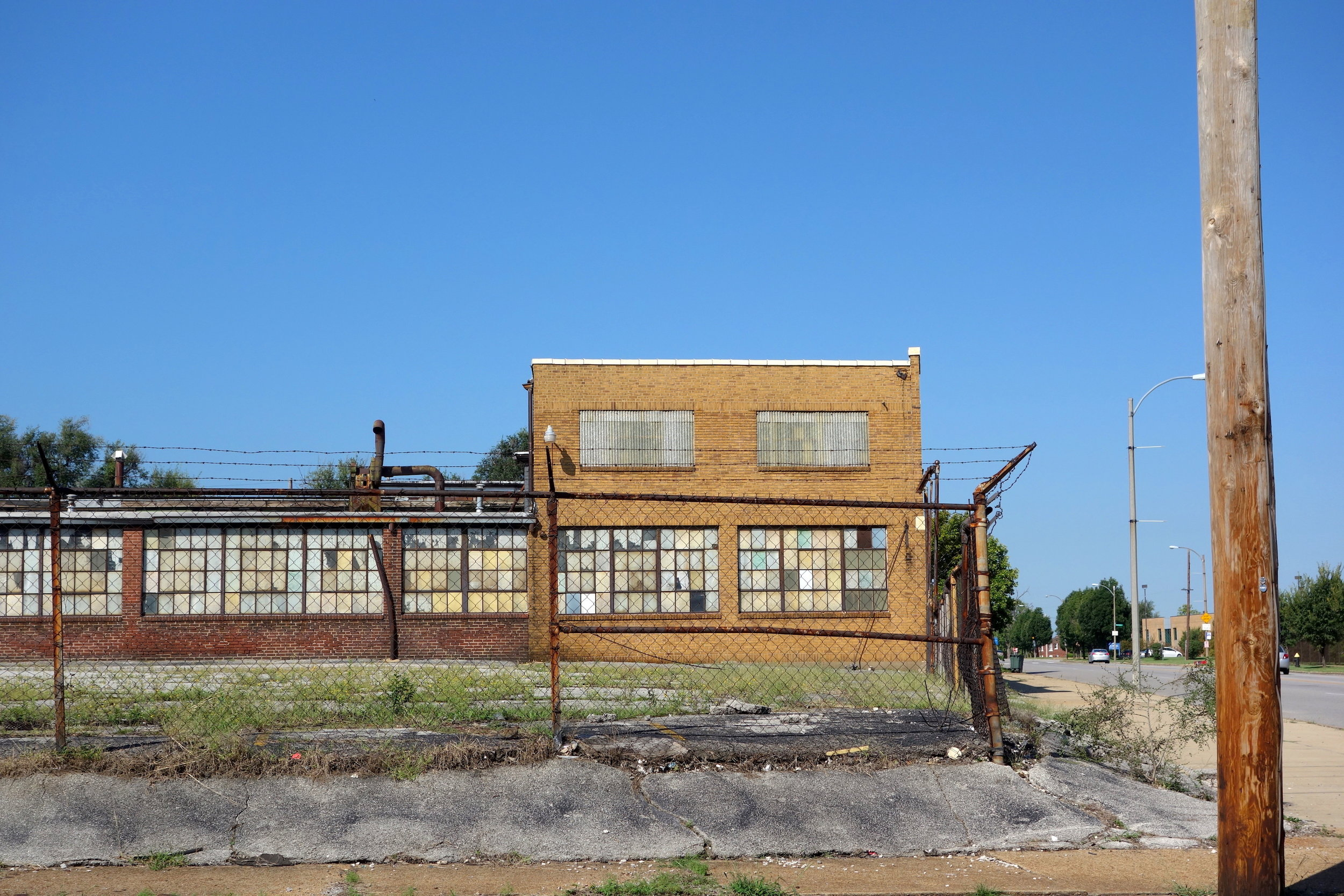 Figure 7. Western Supplies, Inc., now abandoned at Glasgow and Cass Avenues, St. Louis, 2016. Photograph by Joseph Heathcott.