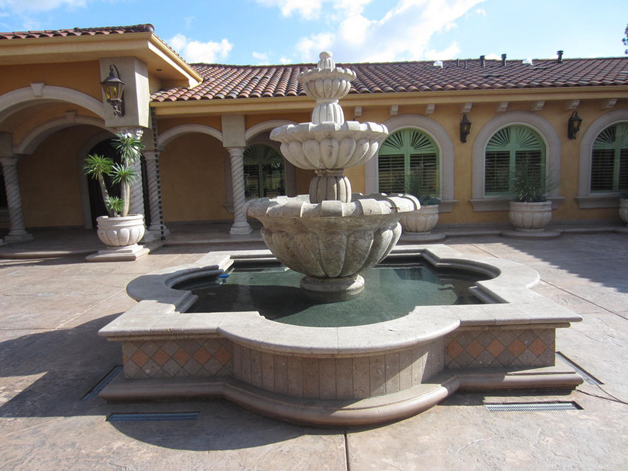 Figure 2. Inner courtyard showcasing cantera fountain in suburban house, Bell, California. Photograph by Sarah Lopez, November, 2011.