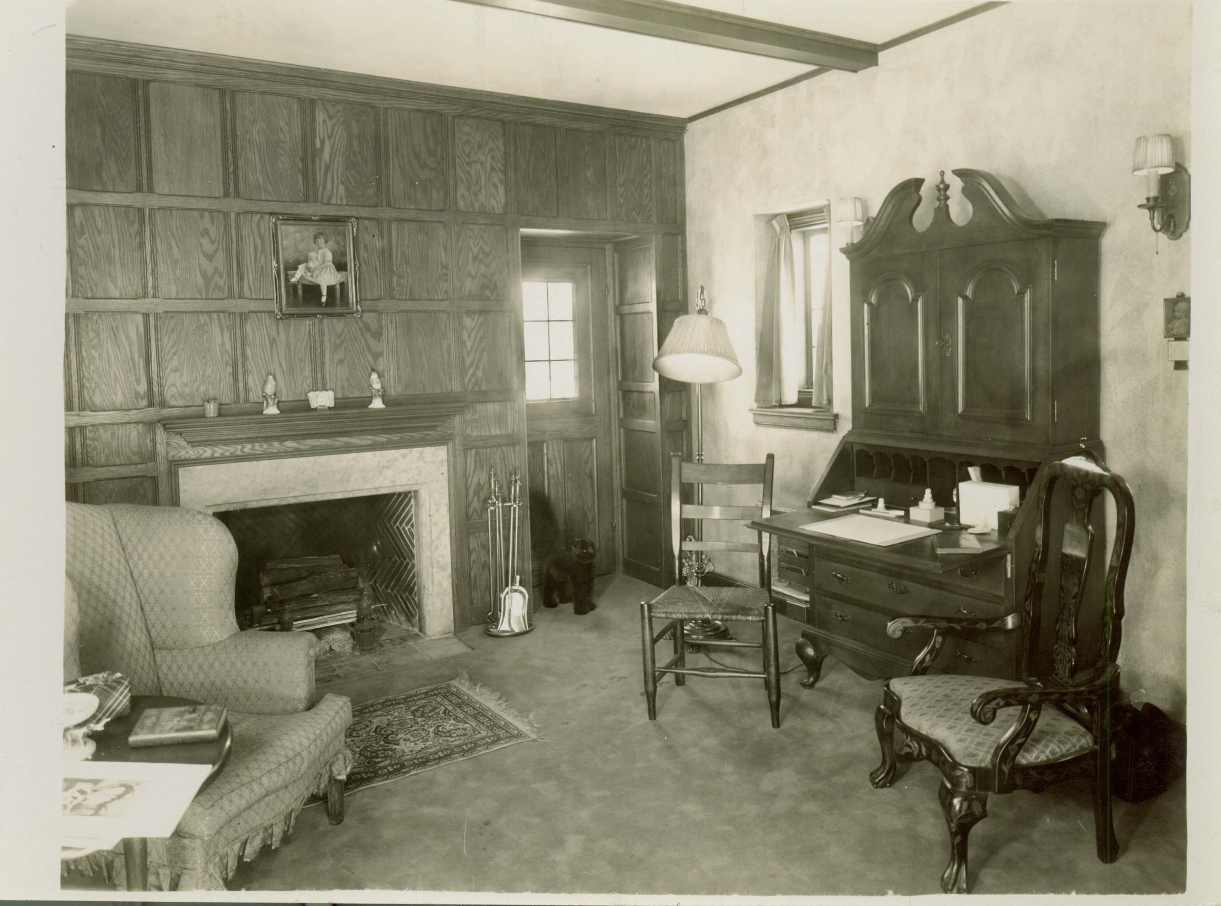 Figure 2. Knole Cottage. Living room, designed by William Kapp of Smith, Hinchman and Grylls, 1926. Photograph courtesy Meadow Brook Hall Archives.